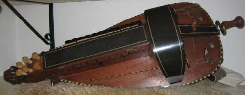 musikinstrument_drehleier